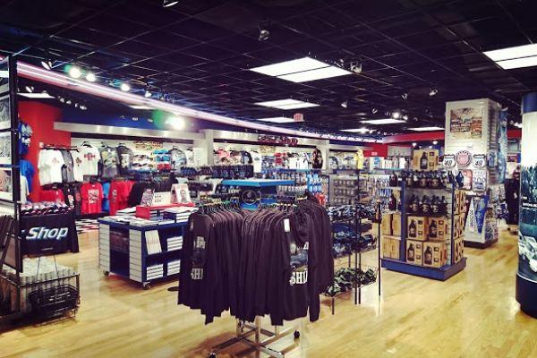nascar-hall-of-fame-gift-shop-77815D121-944A-D04C-B838-8A769A019DCE.jpg