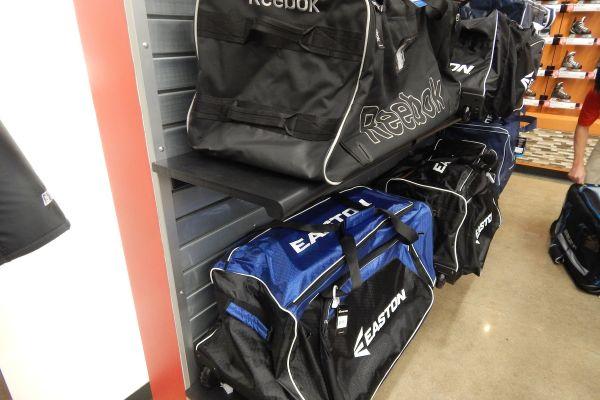 hockey-gear-bag-display4795A68F-CB37-523D-EC4F-3F14EF74AD5C.jpg
