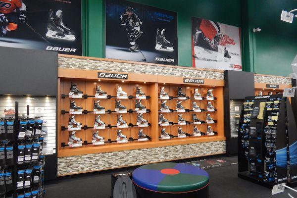 hockey-shop-design-hockey-store-displays866A5156-A332-0619-5E2D-963F4B325657.jpg