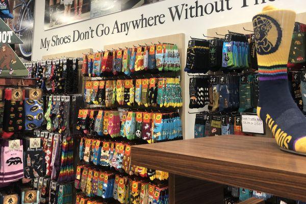 sock-store-display-sock-rack-sock-store-651B985DA-743C-A83B-9133-1BE05025F3A6.jpg